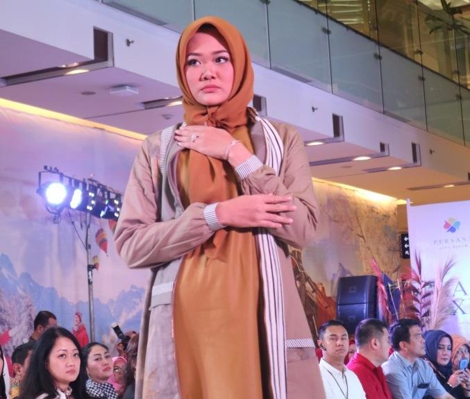 Nuansa Warm Tone dan Corak Berani Dalam Tren Busana Muslim 2020