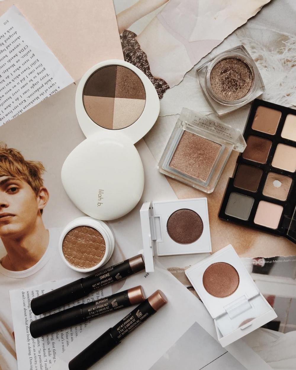 3 Cara Manfaatkan Eyeshadow Jarang Terpakai