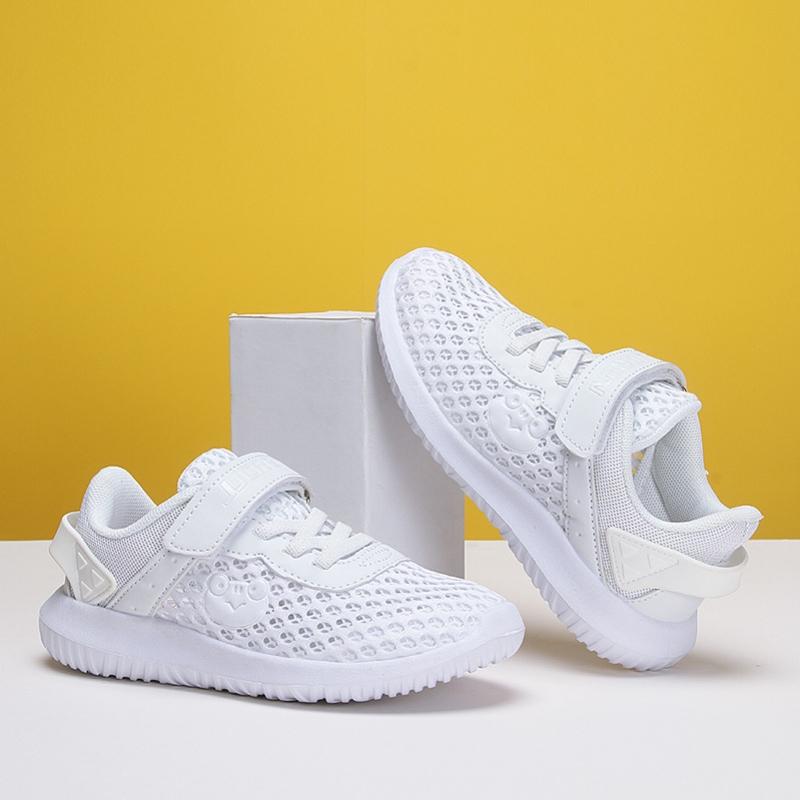 3 Cara Praktis Bersihkan Sepatu Putih