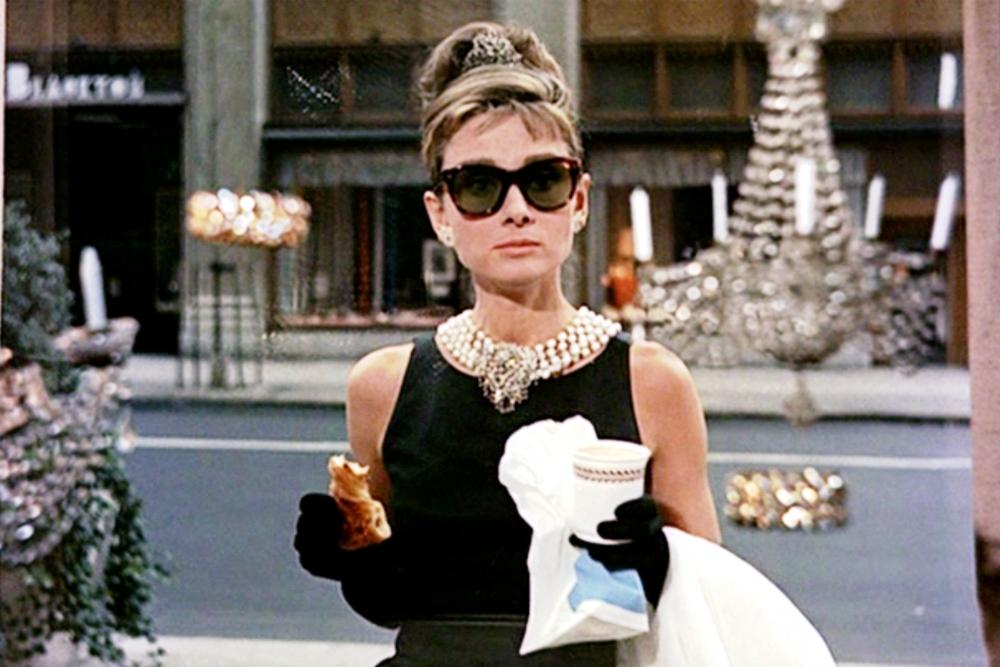 3 Inspirasi Gaya Klasik Ala Audrey Hepburn