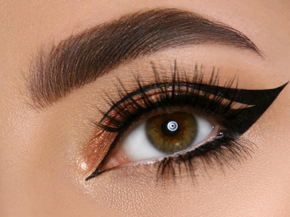 3 Produk Eyeliner Drugstore Yang Mudah Digunakan