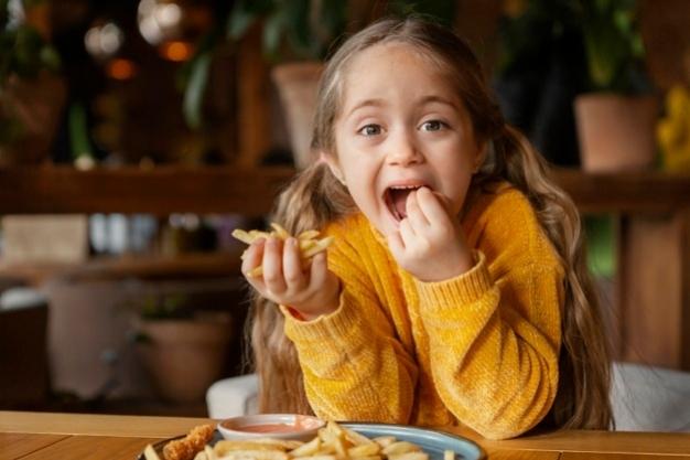 5 Rekomendasi Snack Praktis Untuk Anak-Anak Selama Perjalanan