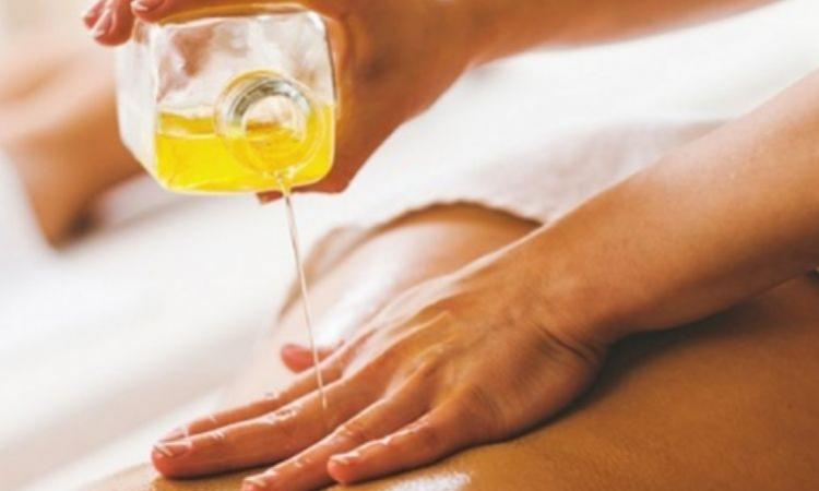 Buat Kulit Tubuh Semakin Lembap Dengan Body Oil!