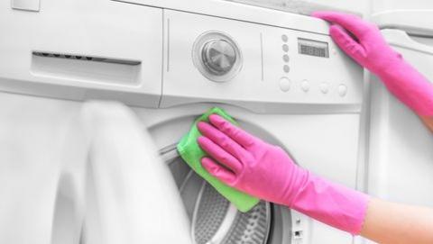 Cara Mudah Bersihkan Mesin Cuci Agar Lebih Awet