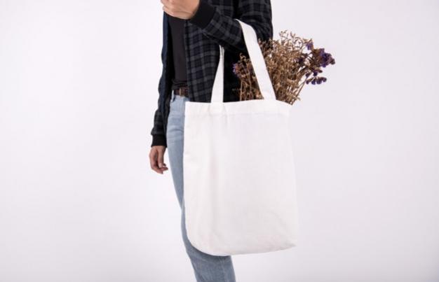 Inspirasi Gaya Busana Modern dengan Tote Bag