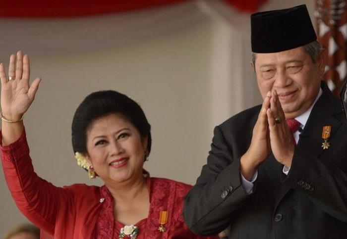 inspirasi kebaya dari alm. Ani Yudhoyono