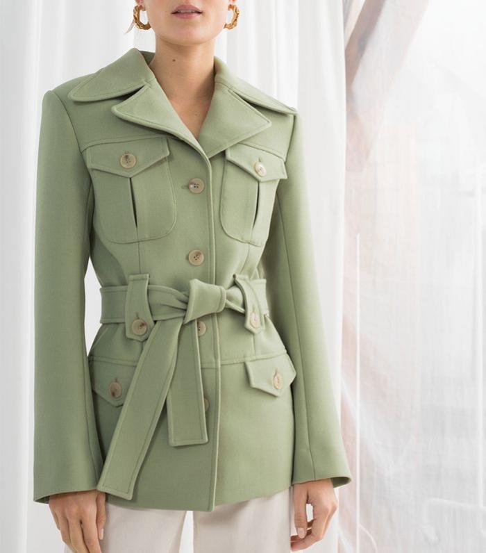 Inspirasi Outfit Bernuansa Sage Green