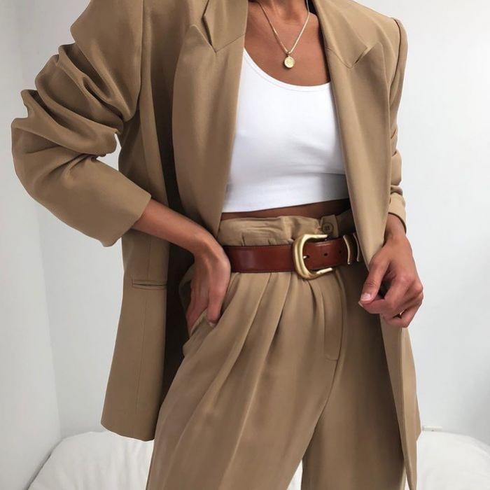 Inspirasi Outfit Dengan Warna Beige Yang Netral