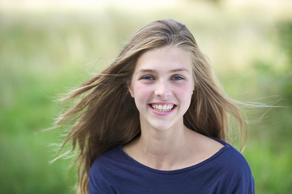 Kandungan Bahan Alami yang Dipercaya Ampuh Halau Kulit Berjerawat Pada Remaja