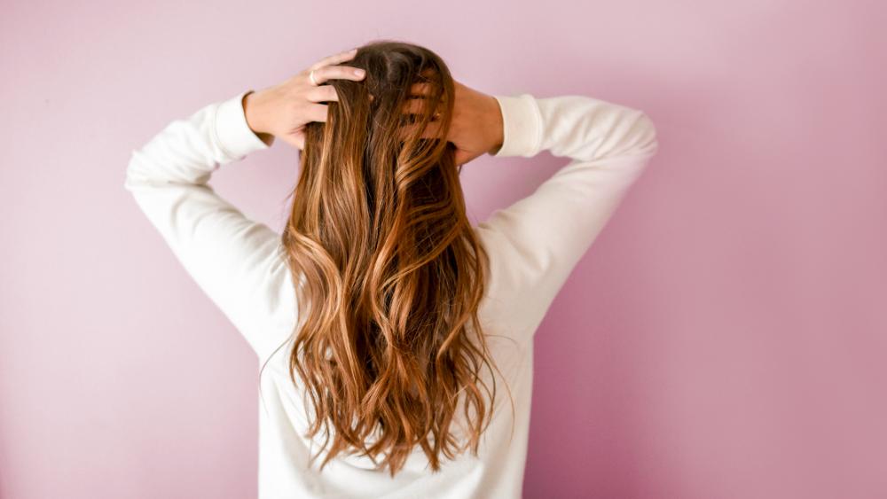 Khasiat Alami Air Kelapa Untuk kesehatan Rambut