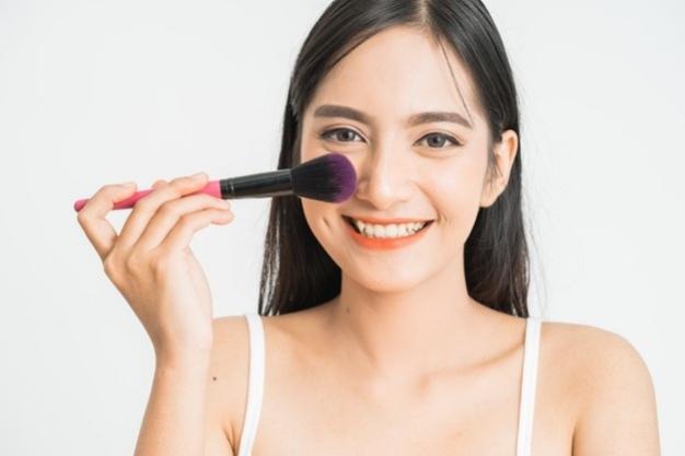 Mengenal Perbedaan Cream Dan Liquid Blush
