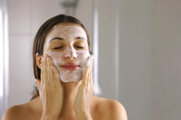 2 Produk Face Wash Terbaru Dari Brand Lokal Untuk Kulit Sensitif