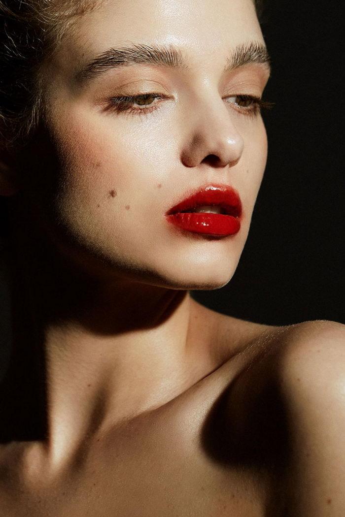 5 Rekomendasi Lip Serum Untuk Menjaga Kelembapan dan Kesehatan Bibir