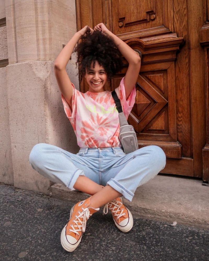 Rekomendasi Online Shop Dengan Koleksi Tie Dye