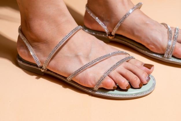 Rekomendasi Sandal Dari Brand Lokal Untuk Casual Look