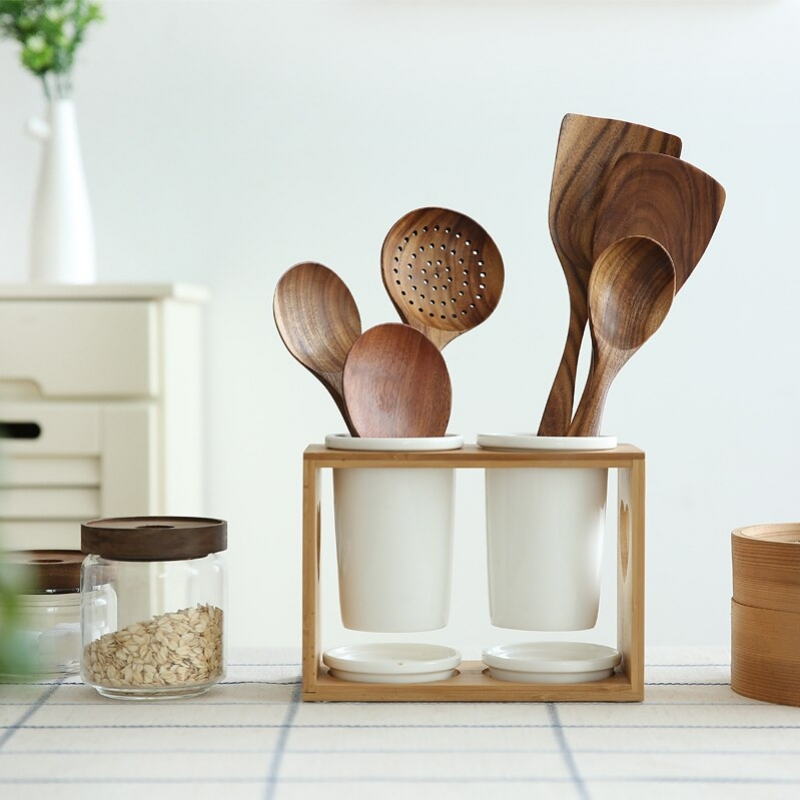 Selain Estetis, Inilah Alasan Mengapa Sebaiknya Gunakan Alat Dapur dari Bahan Kayu