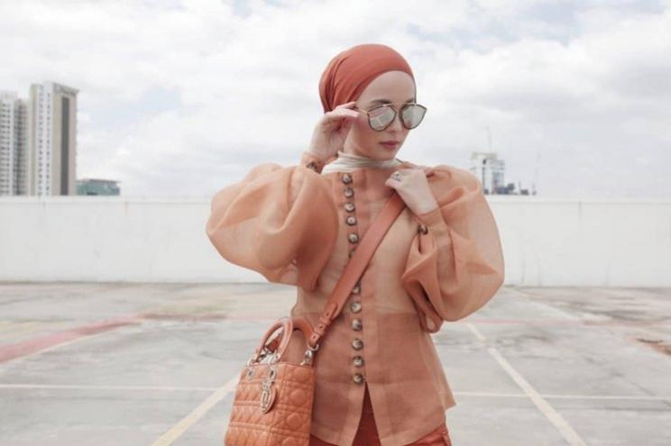 Terracotta Jadi Warna Andalan Busana Muslim 2020