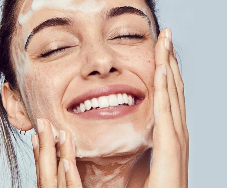 Tips Bersihkan Wajah Secara Maksimal Dengan Cleansing Balm!