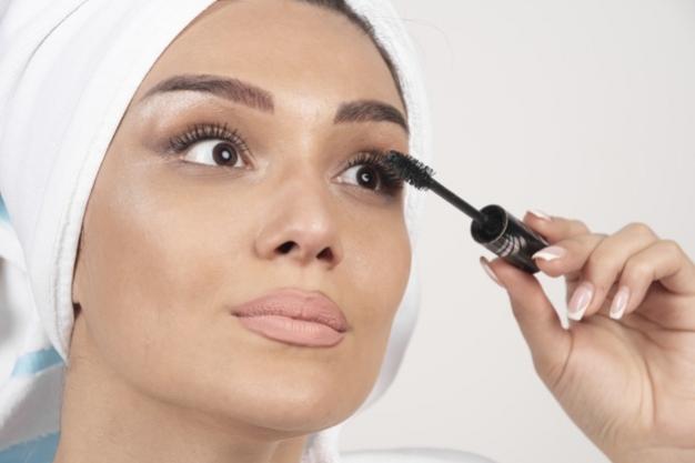 Tips Mudah Bersihkan Waterproof Mascara